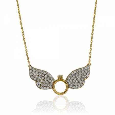 Буква В в сърце на гривна с червен конец