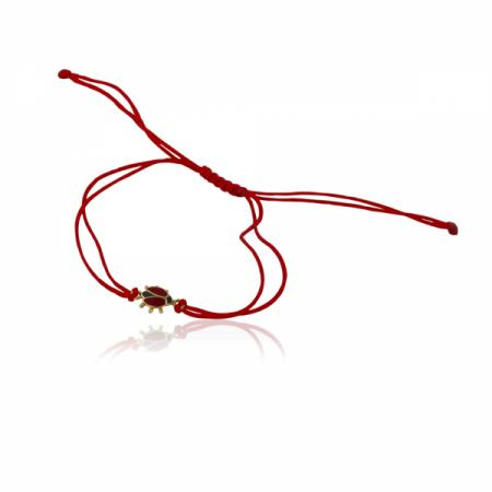 Красива калинка на гривна с червен конец