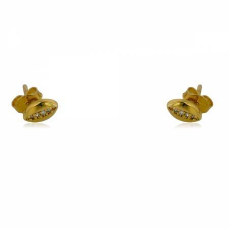 Червен конец гривна с две преплетени сърца