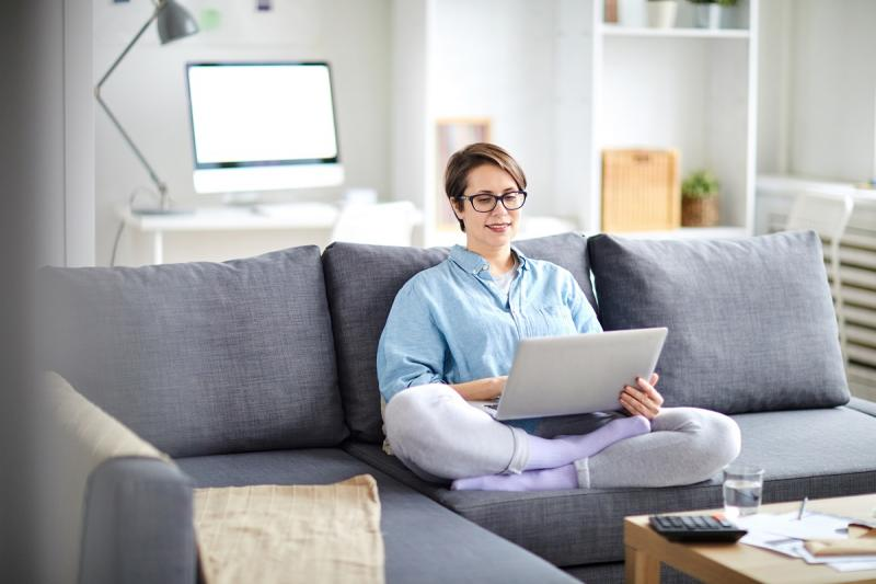 жена работи от вкъщи